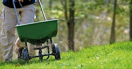 fertilizer_grass-CMYK